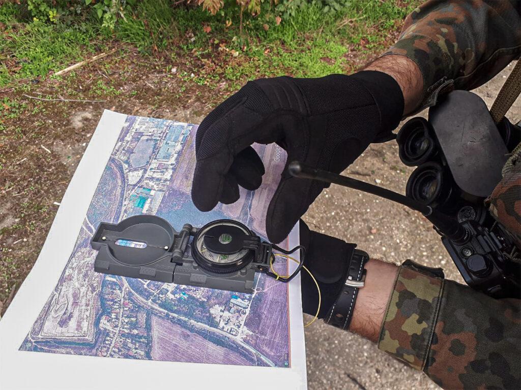 tehnici si tactici de navigare harta si busola taste v3